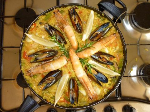Why You Should be Taking Advantage of Paella Catering Services in Sydney Today