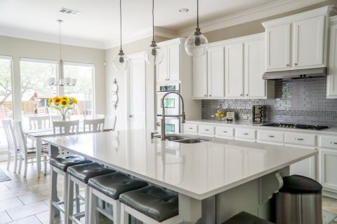 The Benefits Of Using Kitchen Splashbacks In Your Home