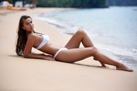 Tips For Buying Designer Swimsuits That Fit